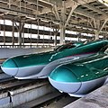 Hayabusa train@ Shinaomori - panoramio.jpg