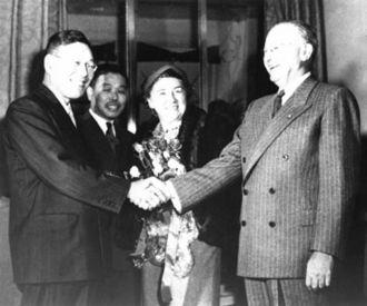 Dodge Line - Hayato Ikeda meeting Dodge (right) in 1948