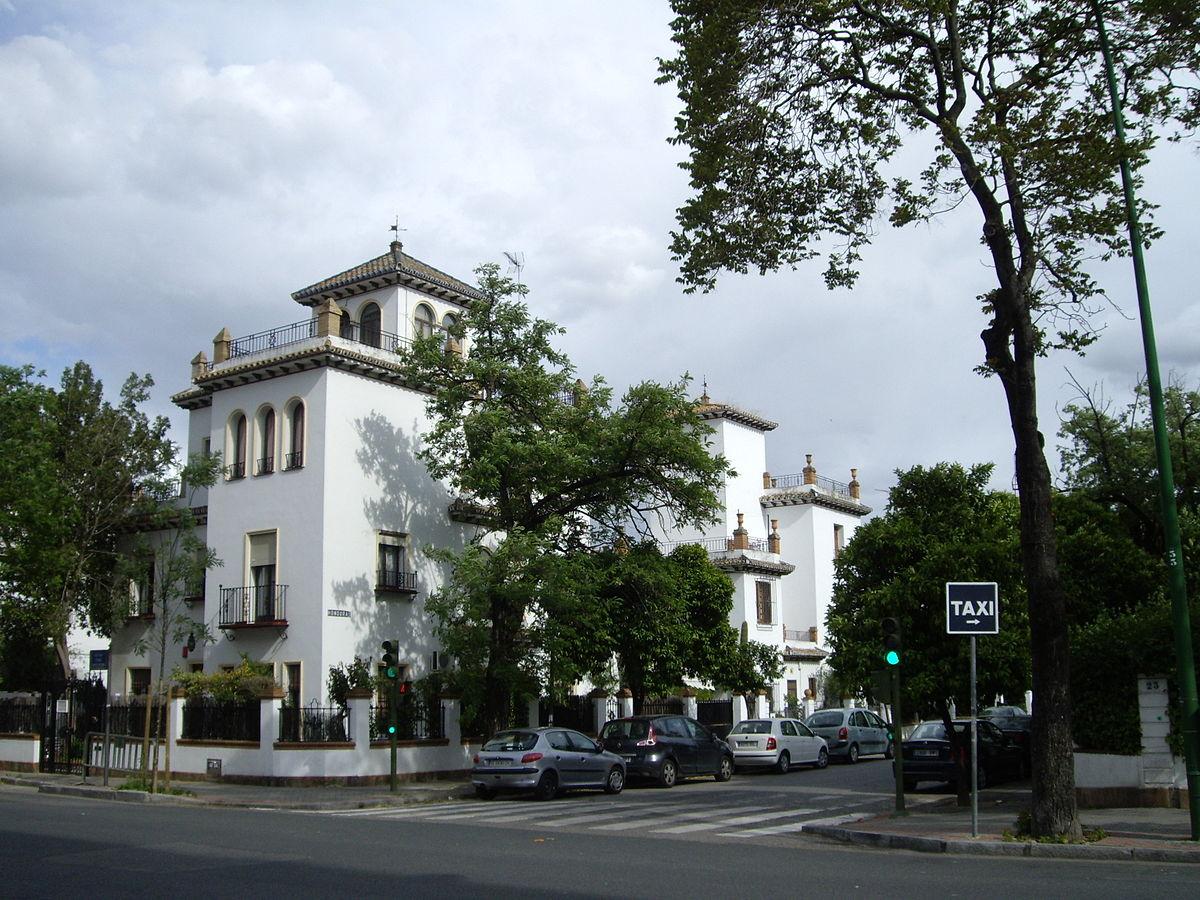 Heli polis sevilla wikipedia la enciclopedia libre for Casas baratas en sevilla y provincia