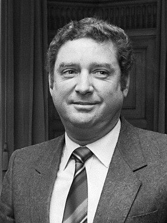 Prime Minister of Aruba - Image: Henny Eman (1986)