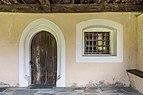 Hermagor Kühweg Filialkirche hl. Athanasius Vorhalle Portal Gitterfenster 18062018 3599.jpg
