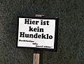 Hier ist kein Hundeklo, cemetery Herzogenburg.jpg