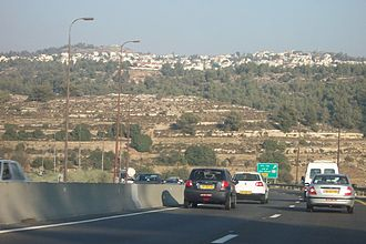 Highway 1 (Israel) - Highway 1 traffic eastward, approaching the Hemed interchange and Abu Ghosh exit, before the extensive upgrade and reconstruction of the road that began in 2013.
