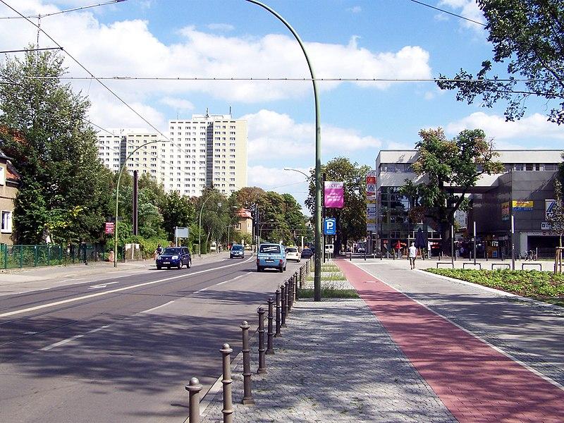 File:Hohenschönhausen Hauptstraße 03.jpg