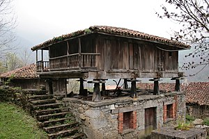 Lena, Asturias - Hórreo in Pola de Lena.