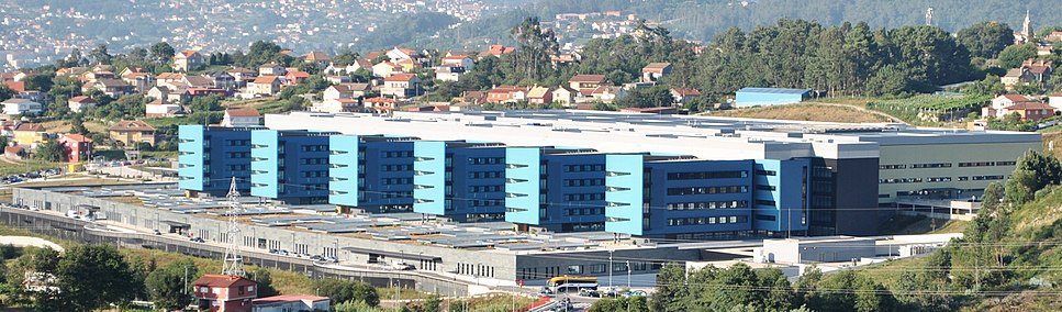 Hospital Álvaro Cunqueiro visto dende Valadares