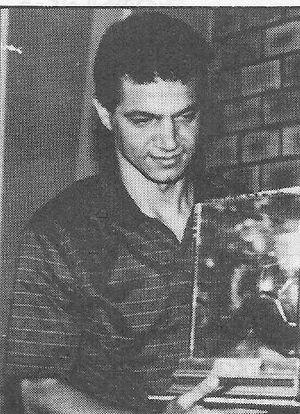 Hussein Saeed - Saeed receiving the Best Arab Goalscorer Award in 1985