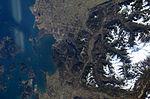 ISS008-E-15493 lrg.jpg
