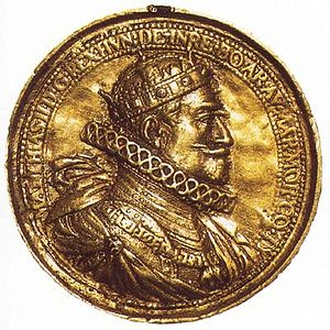 Matthias, Holy Roman Emperor - Coronation medal of Matthias II with the Holy Crown of Hungary