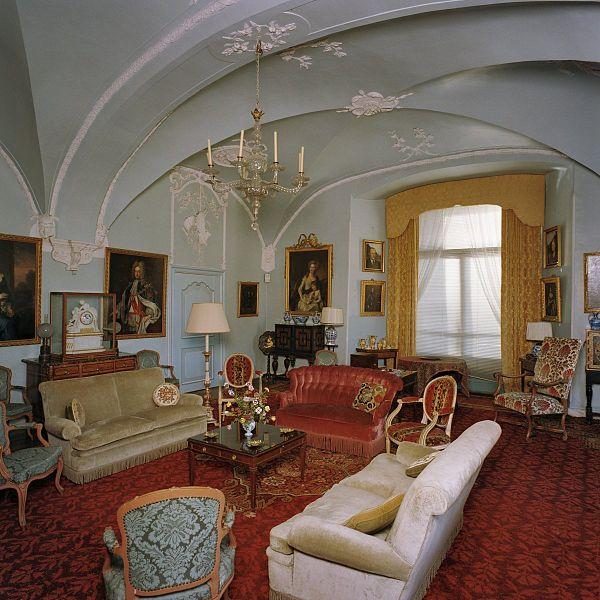 File interieur overzicht blauwe kamer met stucwerk laag for Kamer interieur