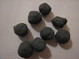 Iron ore pellets from Kiruna.jpg