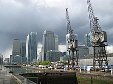 Isle of Dogs, West India Docks lock - geograph.org.uk - 789131.jpg