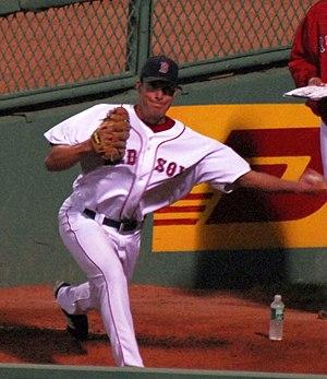 Javier López (baseball) - López's sidearm delivery
