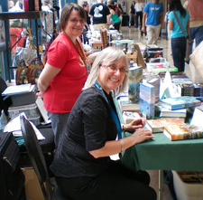 Julie E. Czerneda (foreground) at the Polaris 26 science fiction convention