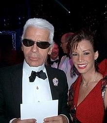 Karl Lagerfeld en 2005 en compagnie de la styliste bolivienne Monica Moss  (en). 9e1d33e6175