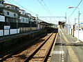 Keikyu-railway-main-line-Mabori-kaigan-station-platform.jpg