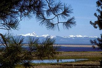 Klamath Marsh National Wildlife Refuge - Image: Klamath Marsh and Mount Thielsen
