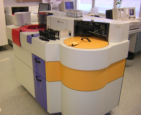 Clinical chemistry: an automated blood chemistry analyzer Konelab60i.png