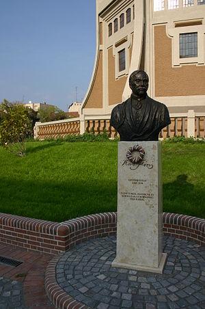 Flóris Korb - Statue of Flóris Korb