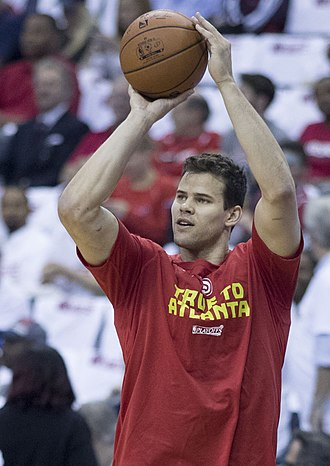 Kris Humphries - Humphries with the Hawks in 2017
