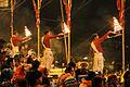 La cérémonie Ganga Aarti (Varanasi) (8472453660).jpg