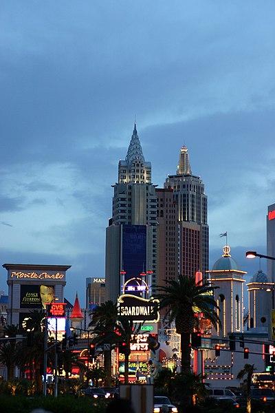 پرونده:Las Vegas at night.jpg