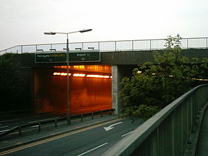 A658 road - Image: Lbiarunwayflyover