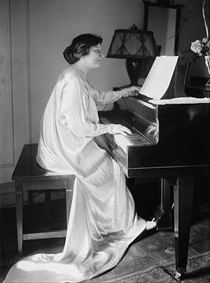 Leila Megane (1891–1960), British mezzo-soprano