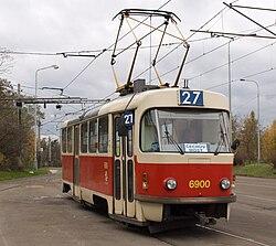 Levského, Tatra T3 při vjezdu, detail.jpg