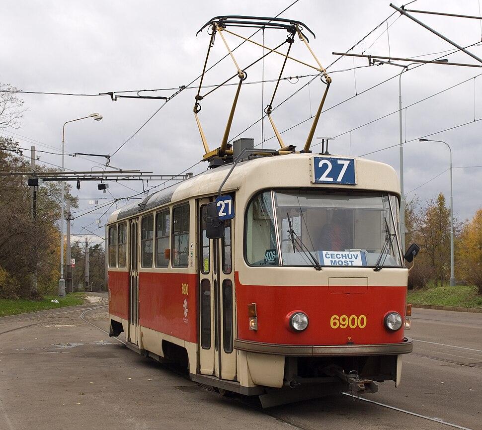 Levského, Tatra T3 při vjezdu, detail