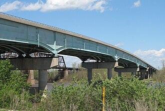 Lewis Bridge (Missouri River) - Image: Lewis bridge