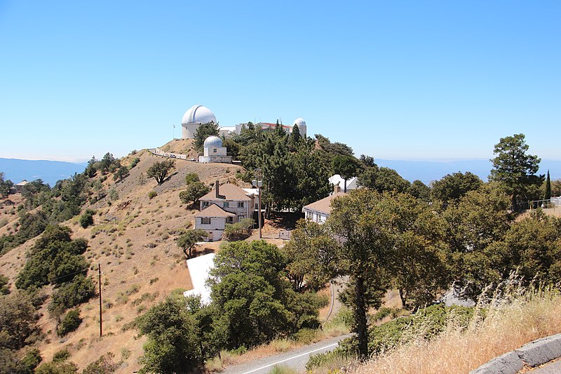 File:Lick Observatory buildings, Aug 2019.jpg