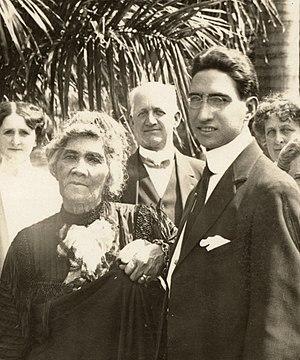 John Owen Dominis - Image: Liliuokalani and John Aimoku Dominis