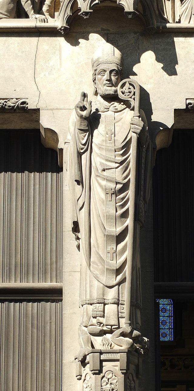 Den hellige Eubert som biskop (fra sørportalen på katedralen Notre-Dame-de-la-Treille i Lille)
