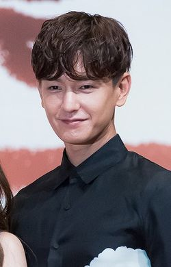 "Lim Ju-hwan at ""Uncontrollably Fond"" press conference, 4 July 2016.jpg"