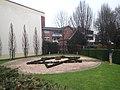 Lingen Gedenkort jüdische Schule Synagogenplatz mit Schule.jpg