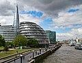 London (34206161442).jpg