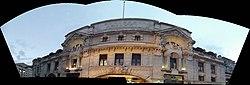 London Victoria Station - panoramic (8103900021).jpg