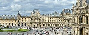 Louvre Place du Carroussel in Paris.jpg