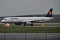 Lufthansa, D-AISD, Airbus A321-231 (16455202101).jpg
