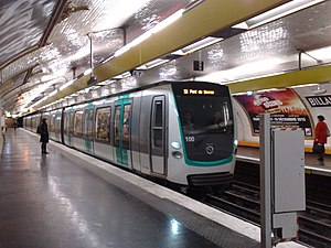 Paris Métro Line 9 - An MF 01 stock train at Billancourt