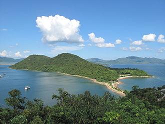 Ma Shi Chau - View of the tombolo connecting Ma Shi Chau to Yim Tin Tsai.