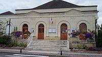 Mairie de Beaumont-en-Véron.jpg