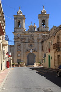 Malta - Gharghur - Triq San Bartilmew + Parish Church 01 ies.jpg