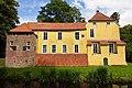 Maninga-Burg in Pewsum (Krummhörn) IMG 6657.jpg