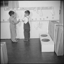 Manzanar Relocation Center, Manzanar, California. Pupils in the nursery school are taught that clea . . . - NARA - 536695.tif