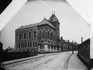 Market hall and town hall, Rhuthun