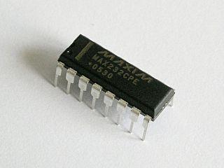 MAX232 1987 integrated circuit