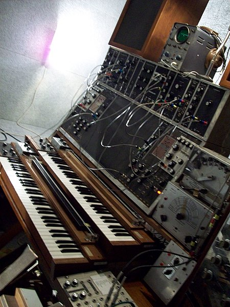 File:Max Brand Synthesizer (1957-67).jpg