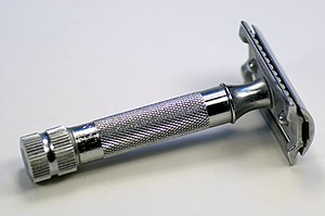 A heavy duty style safety razor. This is a fun...